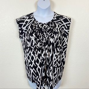 Premise Women's NWT Black and White Graphic Top XL